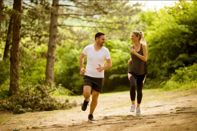 ha hirtelen vág bele egy újfajta edzésbe, tudnia kell, hogy ízületei a hirtelen megerőltetéstől könnyen megsérülhetnek. Praktikus tanácsainkkal elkerülhet ezeket, lássuk hogyan!